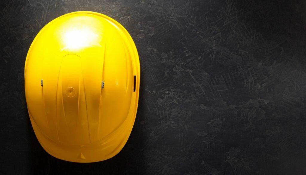 construction-helmet-on-black-pm2fff7_optimized